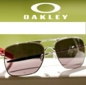 6pm: 精选 Oakley 眼镜、服饰等折扣高达75% OFF